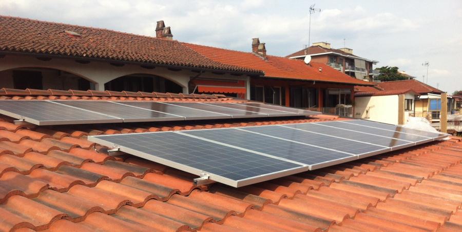 http://www.agiliti.it/wp-content/uploads/2017/10/fotovoltaico.jpg